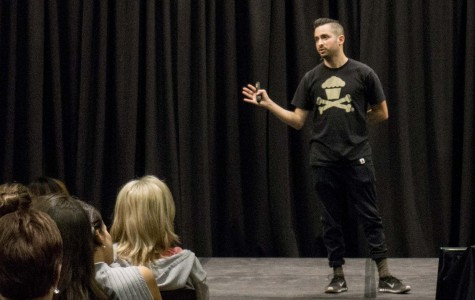 Johnny Cupcakes cooks up student inspiration
