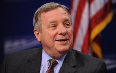 Durbin reintroduces a bill to cut costs on books for college students