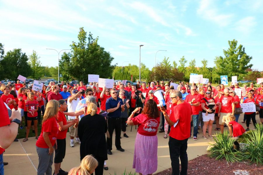 Faculty Members protest before a COD board meeting on Aug. 15 (photo by: Alison Pfaff)