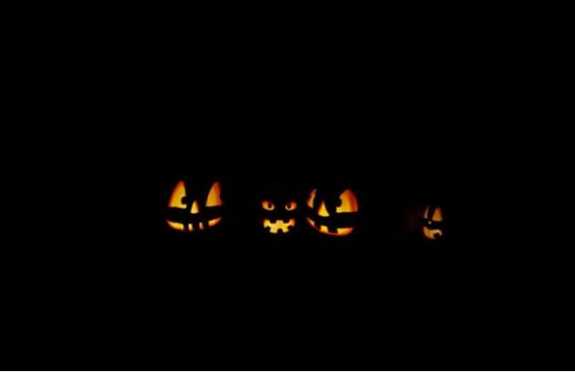 A smashing pumpkin-carving display