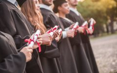Opinion: Should college funding be tied to how many students graduate?