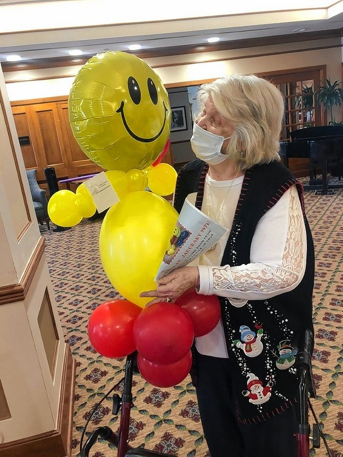 Balloon buddies were recently distributed to residents at Brookdale in Des Plaines. Courtesy of Michelle Tibble